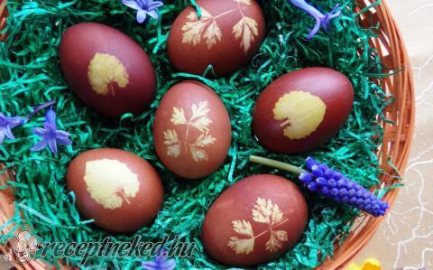 Hagymahéjjal festett tojások