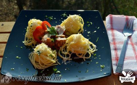 Húsgolyók spagettivel