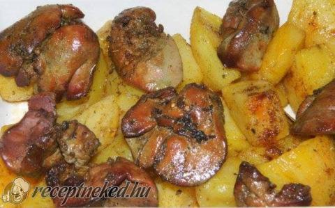 Tepsis csirkemáj krumplival