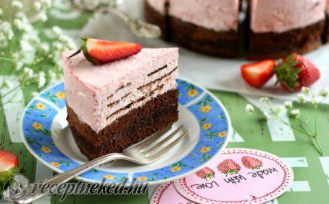 Csokoládés epermousse torta