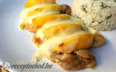 Őszibarackos csirkecombok sajttal sütve