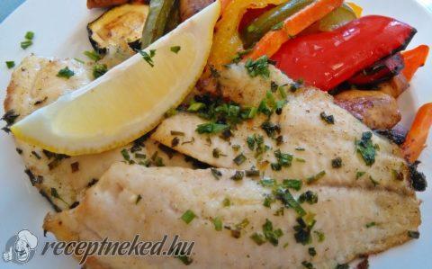 Zöldfűszeres grillezett tengeri halfilé