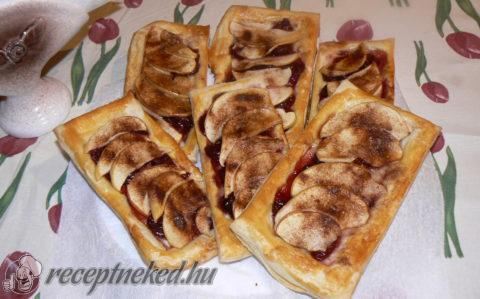 Meggyes-almás finomság