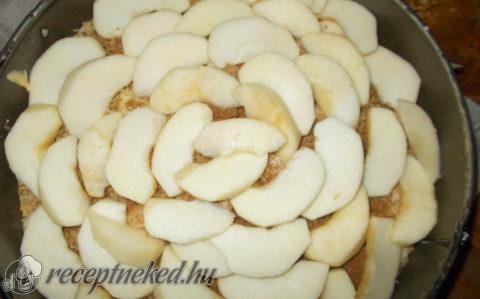 Almás süti linzertetővel