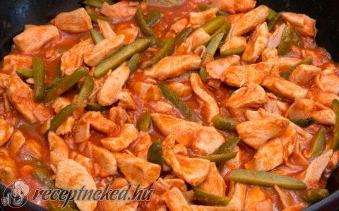 Hentes tokány csirkéből