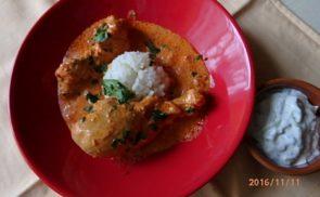 Indiai, paradicsomos-fűszeres csirke