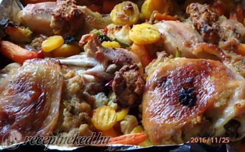 Vargányás töltött csirke vegyes zöldségekkel