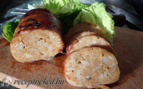 Baconbe göngyölt csirkemell vagdalt