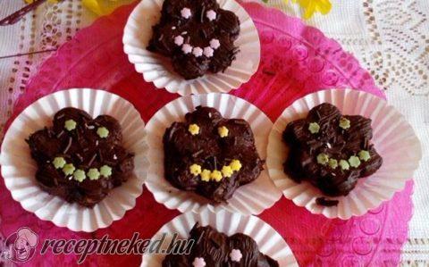 Csokoládés szmájli islerek