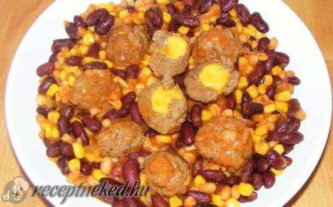 Chilis bab, jalapenos-sajtos húsgombóccal