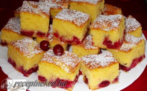 Cseresznyés, joghurtos kevert sütemény