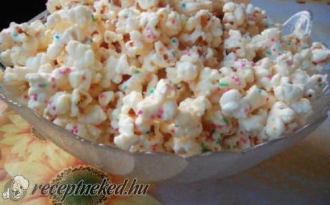 Fehércsokis popcorn