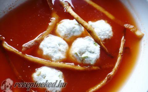 Mexikói paradicsomleves avokádós sajtgolyókkal