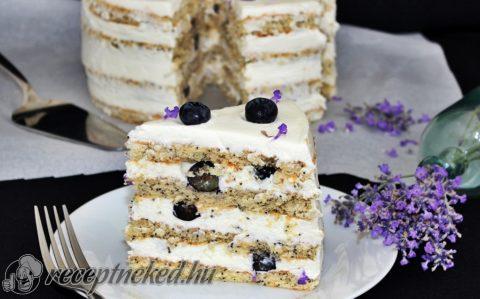 Áfonyás torta levendulás vaníliakrémmel