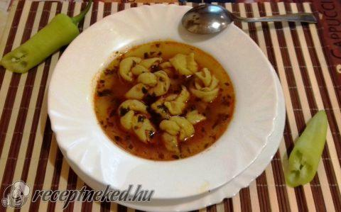 Kötözött tészta leves