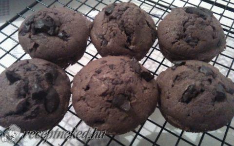 Csokis muffin csoki darabokkal