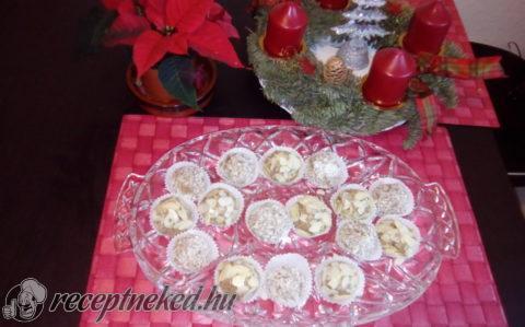 Karácsonyi gyümölcsös golyók