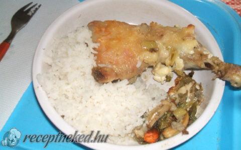 Zöldségágyon sült csirkecomb