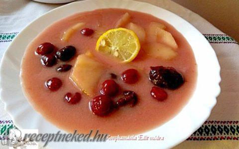 Fűszeres gyümölcsleves