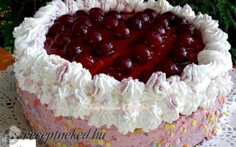 Tejszínes-meggyjoghurtos torta