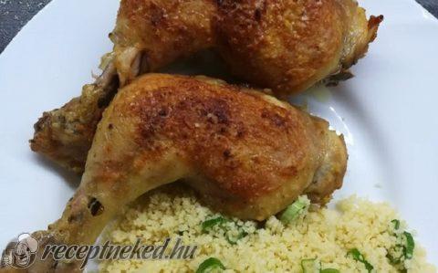 Ropogósra sült csirkecombok