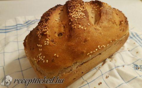 Rozsos, magvas kenyér