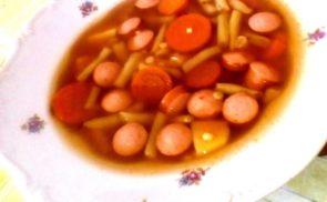 Zöldbab leves virslivel