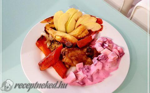 Fóliában sült csirke almás-céklasalátával