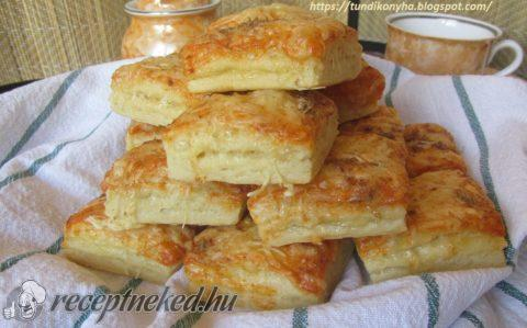 Tejfölös-sajtos kocka pogácsa