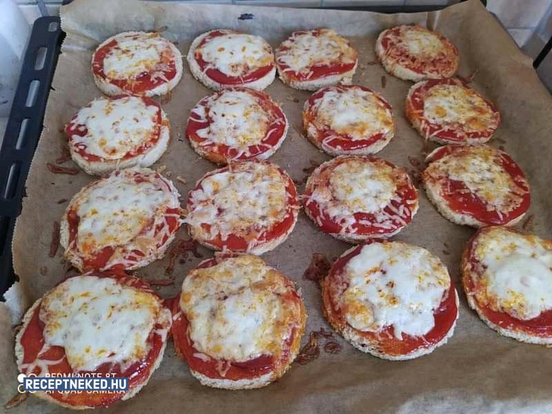 Villámgyors mini pizza recept Tindy84 konyhájából